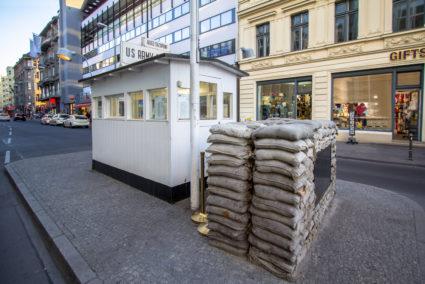 Checkpoint Charlie - sevärdhet Berlin